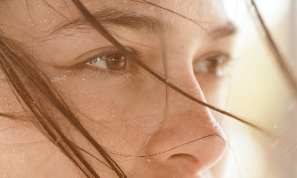 Limpiar o desmaquillar el rostro no es lo mismo