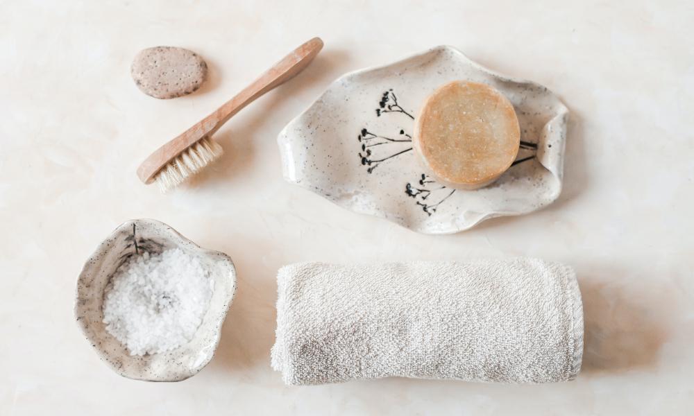 7 formas naturales de limpiarte la cara (y dos trucos más) 🧽 🚿😀